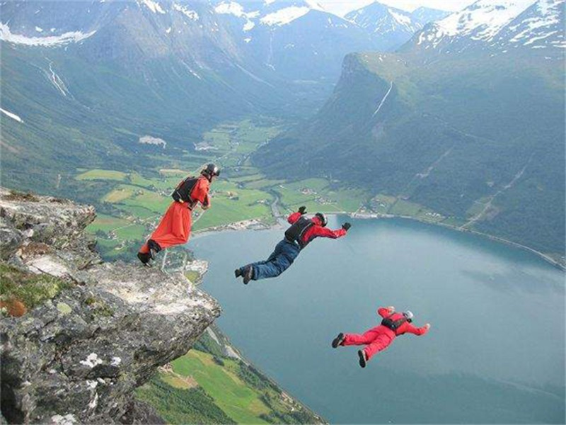 norway_sky_diver_slide